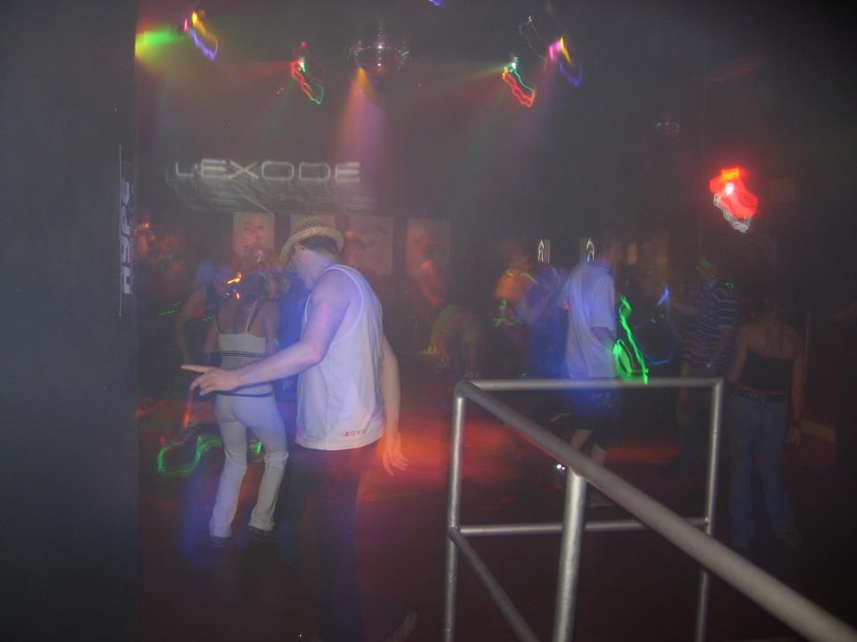 Raving at L'Exode, Sherbrooke 2008!!