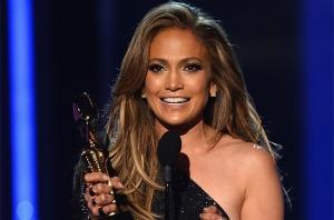 JLO accepts the Icon Award at the 2014 Billboard Music Awards